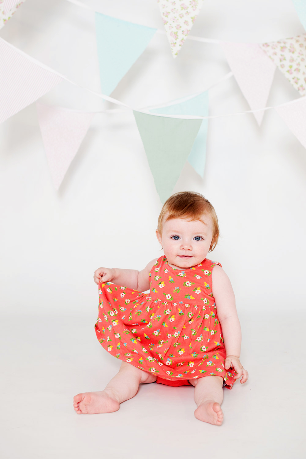 Cake Smash photography session in Maidenhead